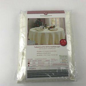 Huntington Home Round Tablecloth with 6 Napkin Set